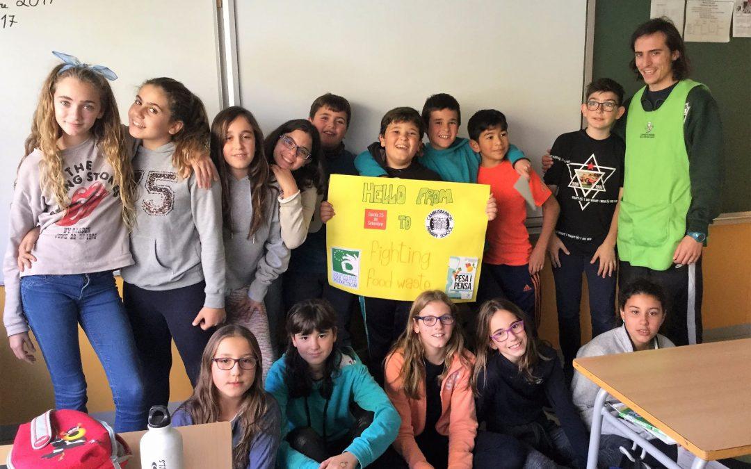 Pesa i Pensa participa en una acció sobre malbaratament alimentari entre Escòcia i Catalunya durant EWWR