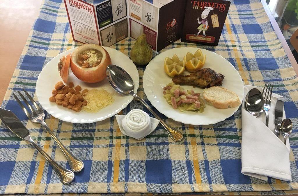 Sopa de ceba, pollastre amb herbes i tastet de cap-i-pota