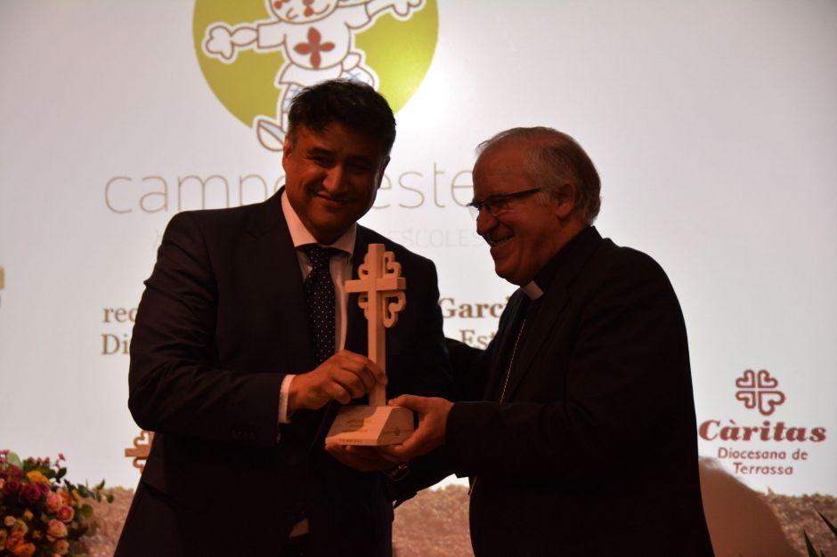 Campos Estela rep el reconeixement de Càritas Diocesana de Terrassa